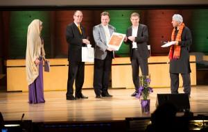 Marko Gorbelnik receiving award for Videlectures.Net @ WSIS+10 Global Champions, UNESCO Paris